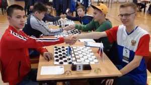 Брянский школьник завоевал «серебро» на первенстве мира по шашкам