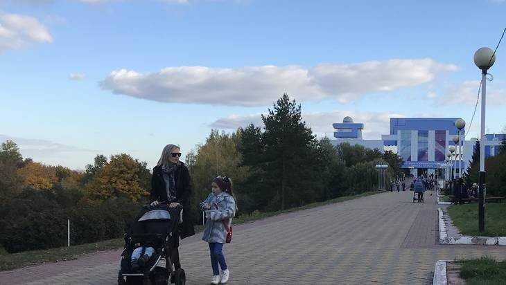 В Брянском Дворце имени Гагарина у юных артистов украли 5 телефонов