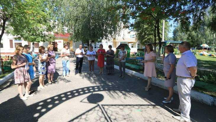 В очереди за местом в детсаду прописались более тысячи юных брянцев