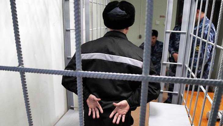 Осужденные подкупили инспектора брасовской колонии