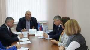 Брянский депутат Валуев пообещал напоить водой жителей Нетьинки