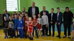 Николай Валуев пообещал брянским спортсменам три боксерских ринга