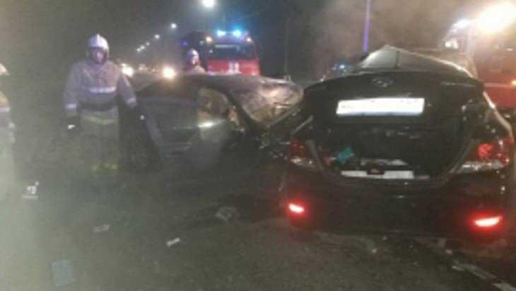 В ночной аварии под Брянском погиб один человек и покалечились двое
