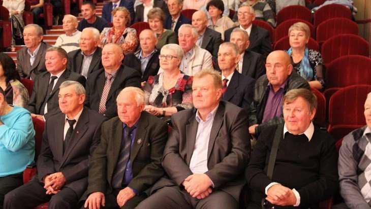 День работников дорожного хозяйства в Брянске отметили с «Ватагой»