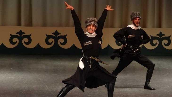 На сцену Брянского драмтеатра выйдут лихие чеченцы