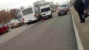 В Брянске в битве за пассажиров водители маршруток устроили ДТП