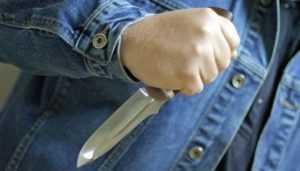 В Почепе осудили рецидивиста, ударившего женщину ножом в живот