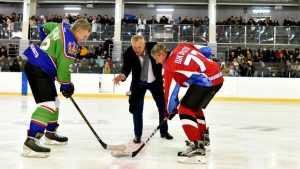 Команда Богомаза выиграла первый матч «Ночной хоккейной лиги»