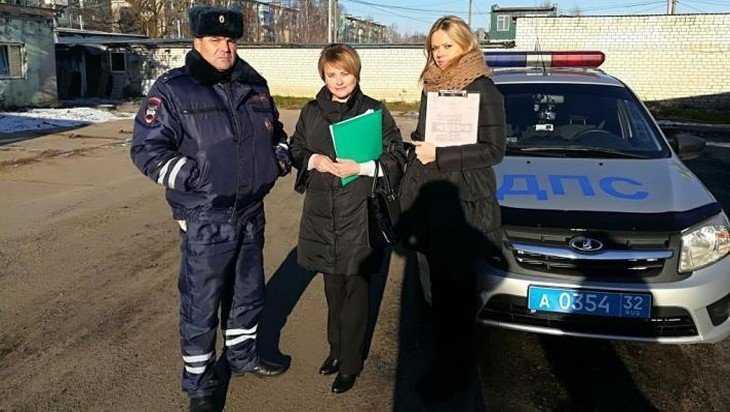 Возле торговых центров в Брянске устроили облаву на должников