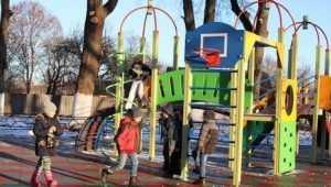 В Клинцовском районе преобразили 13 дворов и детские площадки