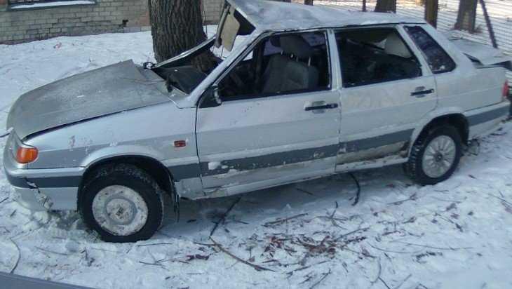 В Брасовском районе пьяный угонщик бросил разбитую «Ладу» в чужом огороде