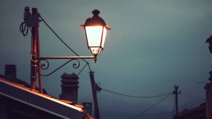 Жуковку Брянской области украсили оригинальными светильниками