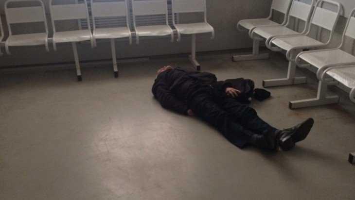 Фото пациента на полу в приемном покое больницы возмутило брянцев