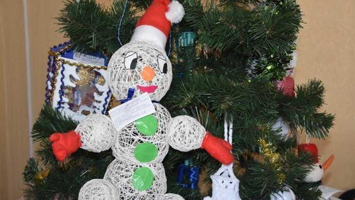 В Брянской области начался конкурс новогодних игрушек