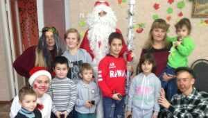 В Погаре дети из приюта «Надежда» встретили Деда Мороза