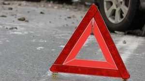 Под Клинцами водитель Audi снёс дорожный знак и перевернулся