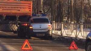 В Брянске столкнулись автомобиль Росгвардии и КамАЗ