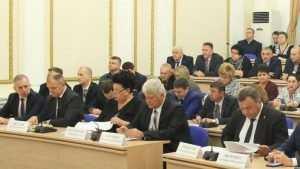Чиновникам Брянского правительства увеличили денежное поощрение