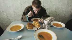 Россияне оценили питание в школах и больницах