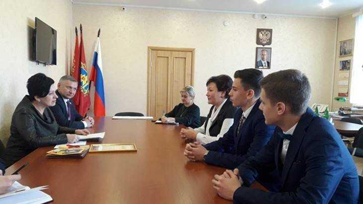 Жители Брянского района адресовали свои вопросы Валентине Мироновой