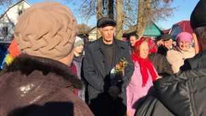 Актер Василий Лановой приехал в клинцовское село на стройку храма