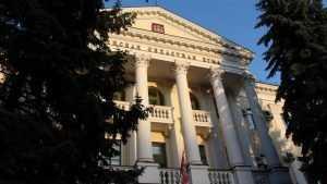 Брянскую областную думу предложили выселить из роскошного здания