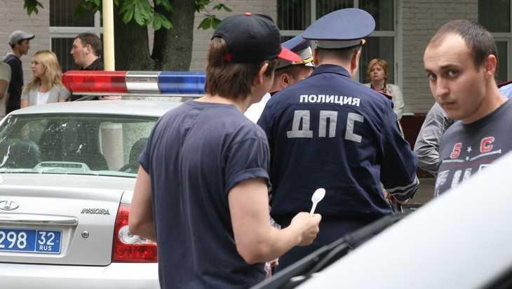 В Брянске сотрудника ДПС обвинили в избиении участника драки у кафе