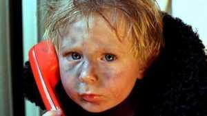 На детский телефон доверия позвонили около 500 брянцев