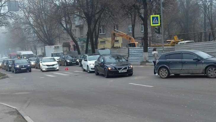 В Брянске из-за ДТП на Советской улице образовалась пробка