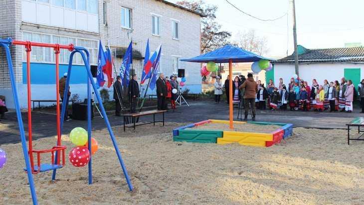В Суземке отремонтировали первый двор в этом году