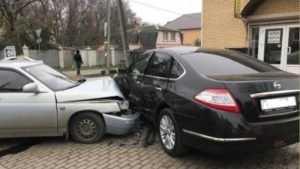 В Брянске 69-летний водитель ВАЗ протаранил Nissan – ранена пенсионерка