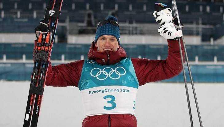 Брянский лыжник Большунов выиграл серебряную медаль в спринте