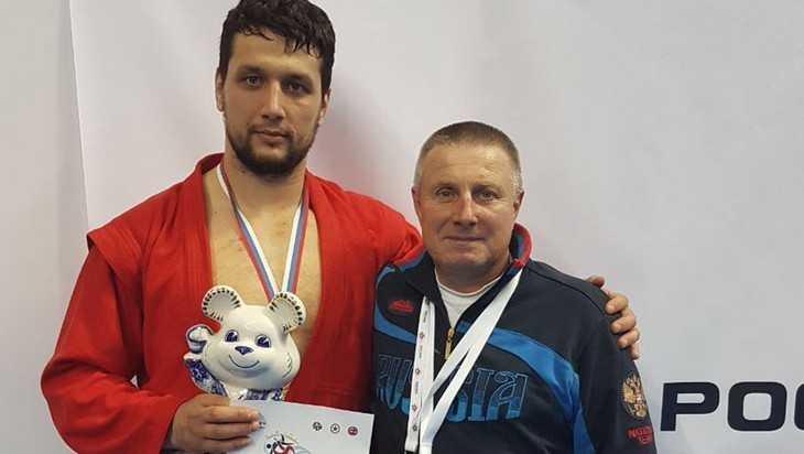 Брянский самбист Артем Осипенко стал семикратным чемпионом мира