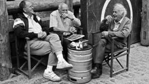 От получки до пенсии: россиянам рассчитали доход