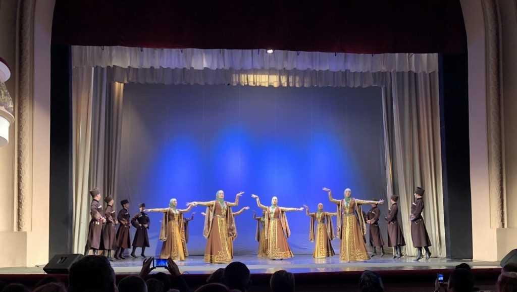 Чеченский телеканал рассказал о концерте ансамбля «Вайнах» в Брянске