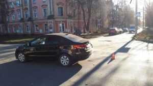 В Брянске на улице Комсомольской легковушка сбила пешехода на «зебре»