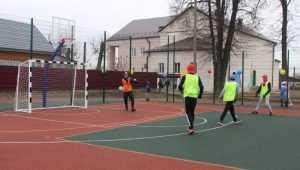 В Глинищеве открыли детскую и спортивную площадки