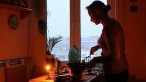 Из-за аварии на подстанции жители Бежицы встретили утро без света и тепла
