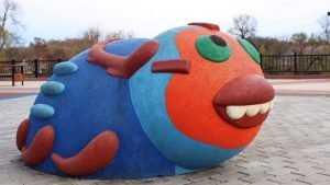 Брянцев удивила новая скульптура на набережной