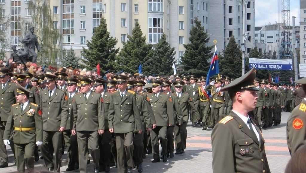 Депутаты предложили увеличить пенсии военным и силовикам