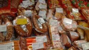 Брянцев предупредили о росте цен на колбасу