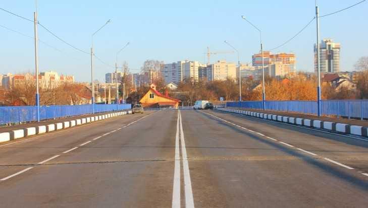 В Брянске мужчина упал с Малыгинского моста и насмерть разбился