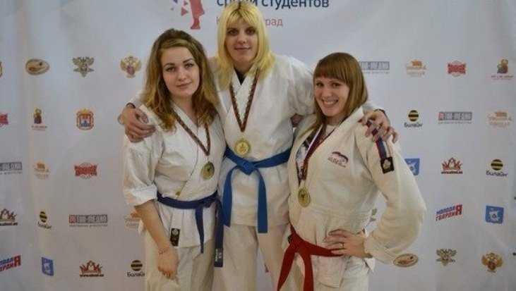 Рукопашница Елена Матвеева пригласила брянцев на зарядку с чемпионкой