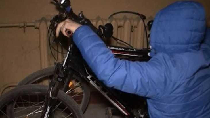 Брянский уголовник попался на краже велосипедов из подъезда