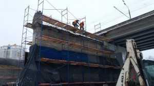 В Брянске опоры Первомайского моста одели в железобетонные рубашки