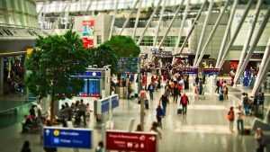 В российских аэропортах предложили ввести платную регистрацию