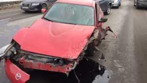 В Брянске на мосту через Десну столкнулись три автомобиля