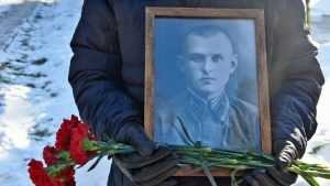 В Брянске захоронили останки погибшего во время войны лейтенанта