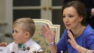 Сотрудница Путина проверит отдых детей брянских чиновников в Турции
