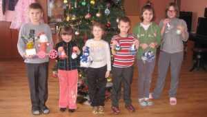 В Почепском центре социальной помощи детям подарили новогоднюю сказку